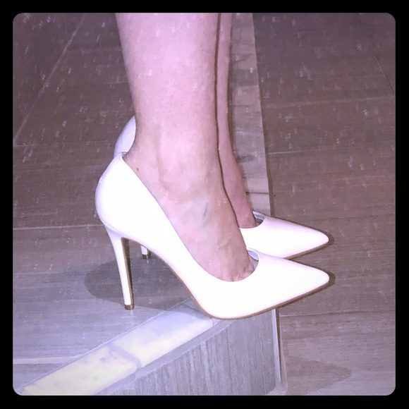2a399a528391 NEW White pointed toe Stiletto high heel pumps 8.5